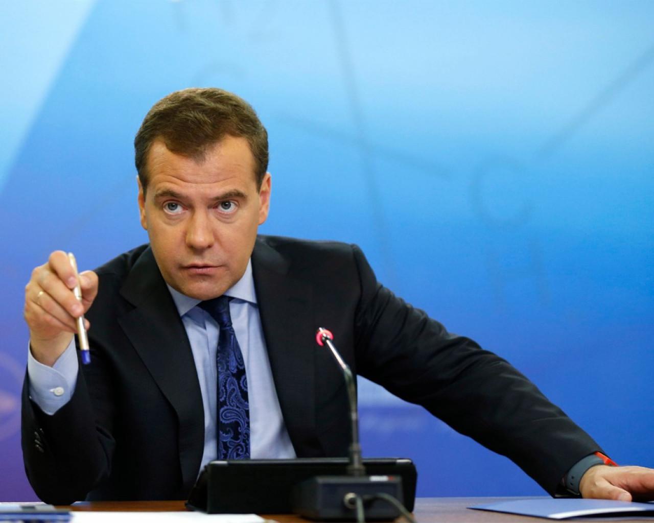 Медведев определился с судьбой Рунета