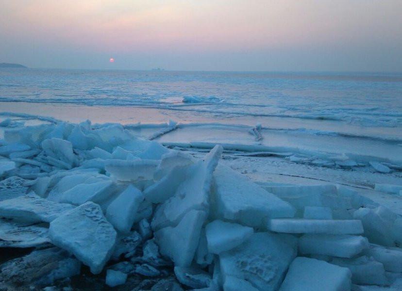 26 рыбаков чуть не ушли под воду на Сахалине