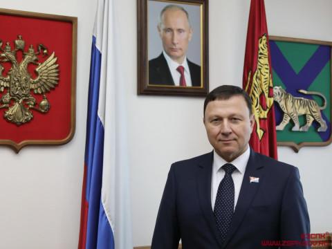Итоги прямой линии с Владимиром Путиным прокомментировал Александр Ролик
