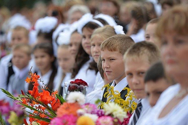 Приморцев поздравляют с началом учебного года