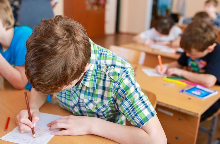 Пятерки отменяются: Совфед предложил изменить систему оценок в школах