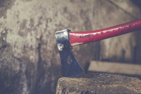 Мужчина из Приморья публично отрезал руку