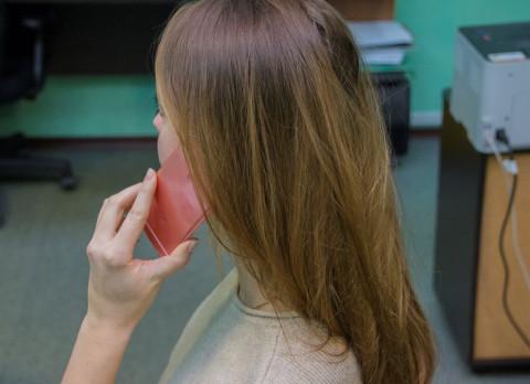 Мобильные телефоны запретили использовать в школах для обучения