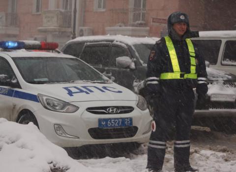 Лёд чистят - аварийность падает на дорогах Приморья