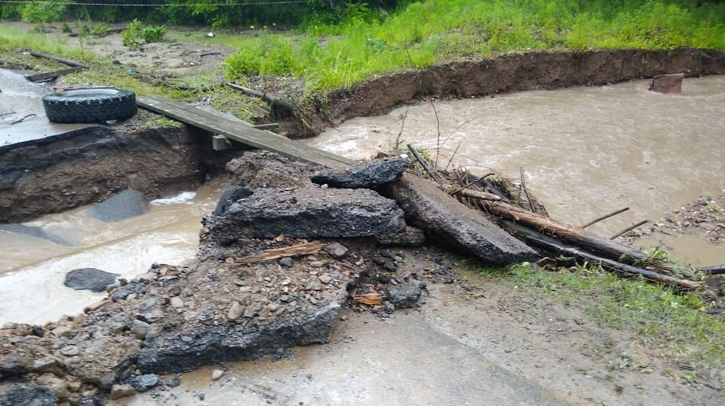 Дороги в воде: где нельзя проехать в Приморье