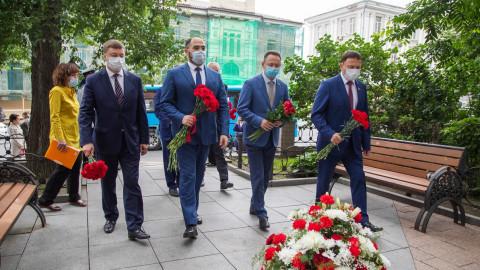 День рождения Владивостока начался с памятных мероприятий