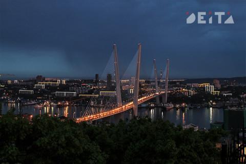 А еще тайфун не дошел: Владивосток сидит без света