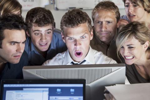 В кнопочных телефонах нашли тайные вирусы