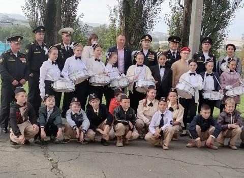 Армейцы Приморья поздравили своих партнеров