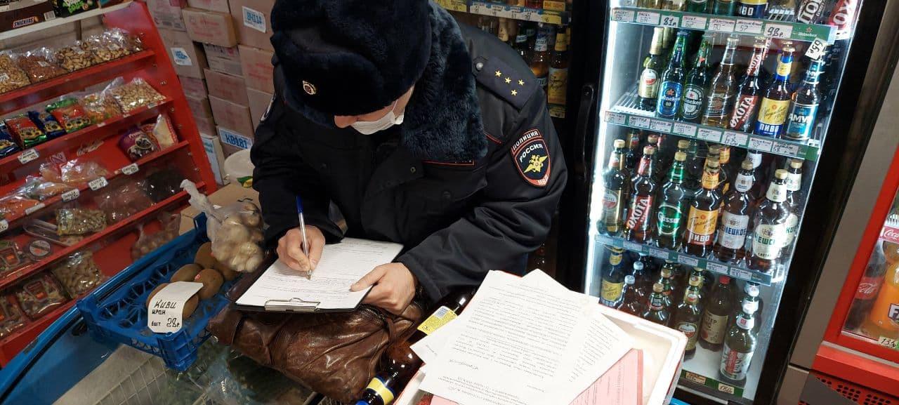 «Народный контроль» продолжает выявлять точки незаконной продажи алкогольной продукции в Приморье