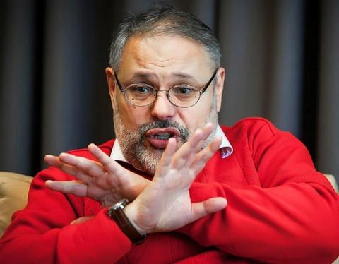 Хазин: Запад хочет устроить в России «большой шухер» и вбросить лозунг «долой Путина»
