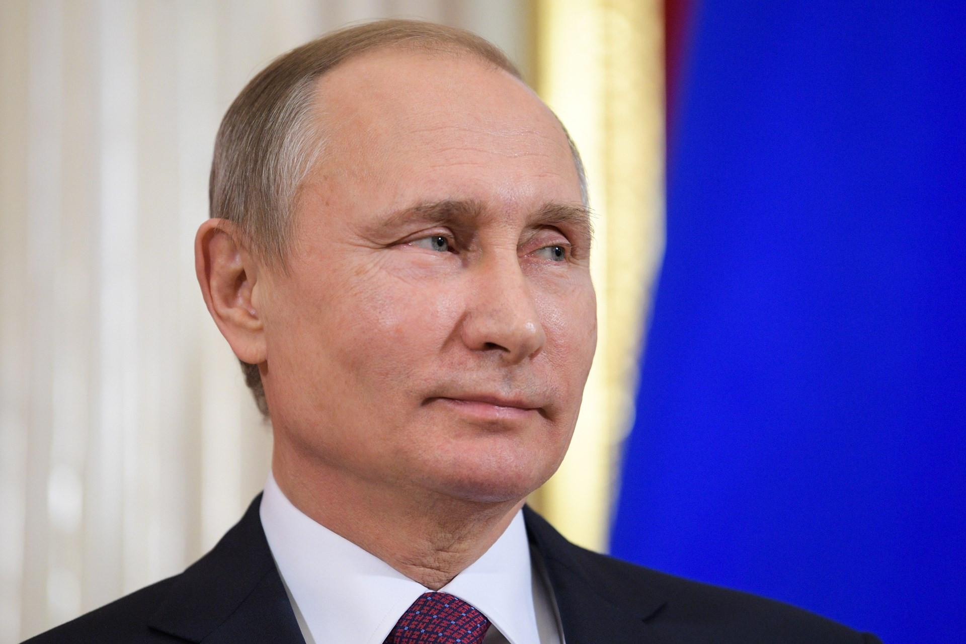 Путин обяжет чиновников выучить русский язык
