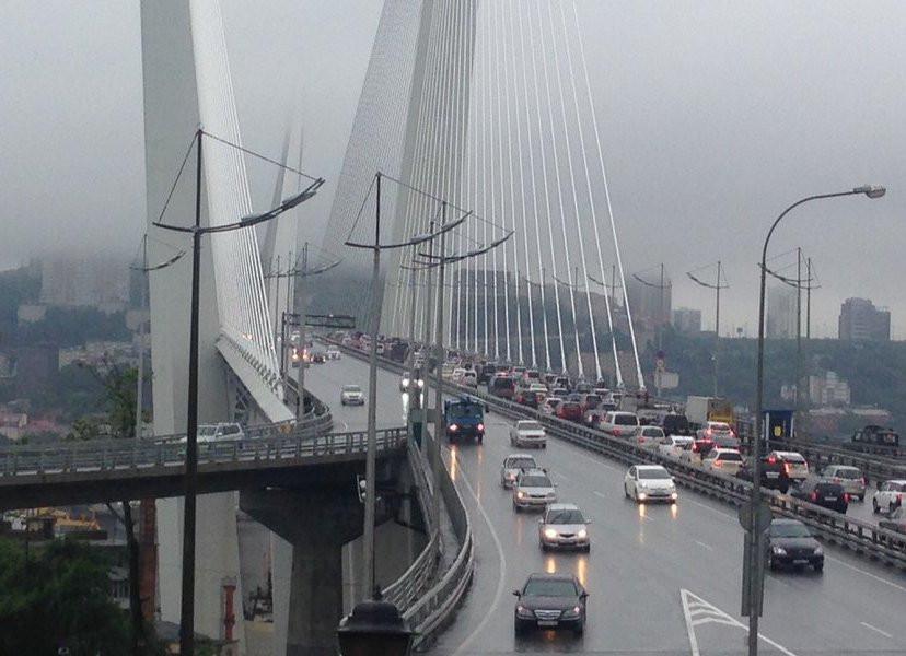 Движение на главных мостах Приморья полностью перекрыто