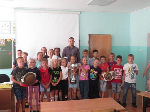 Чемпион мира посетил школу-интернат в Приморье