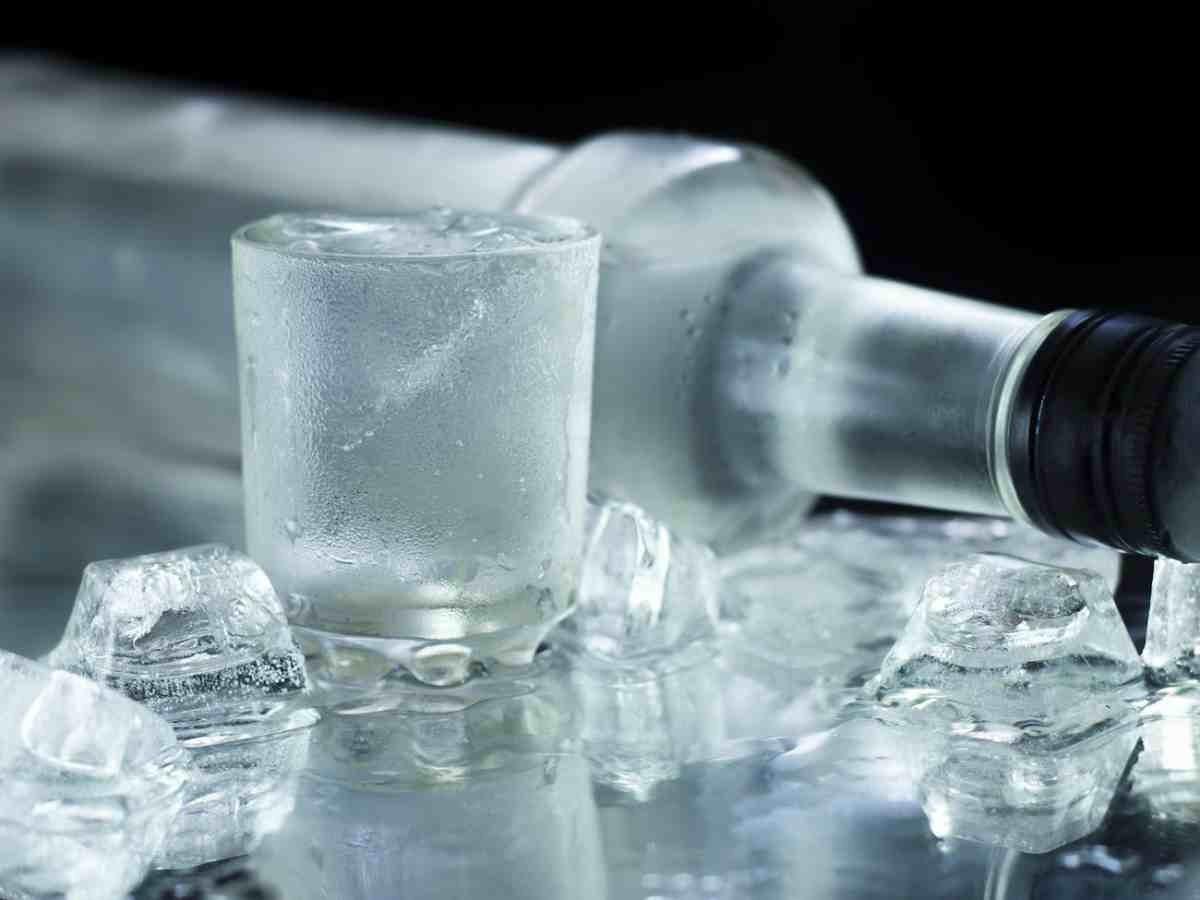 13 нестандартных применений водки