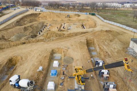 Строительство развернулось на границе с Китаем