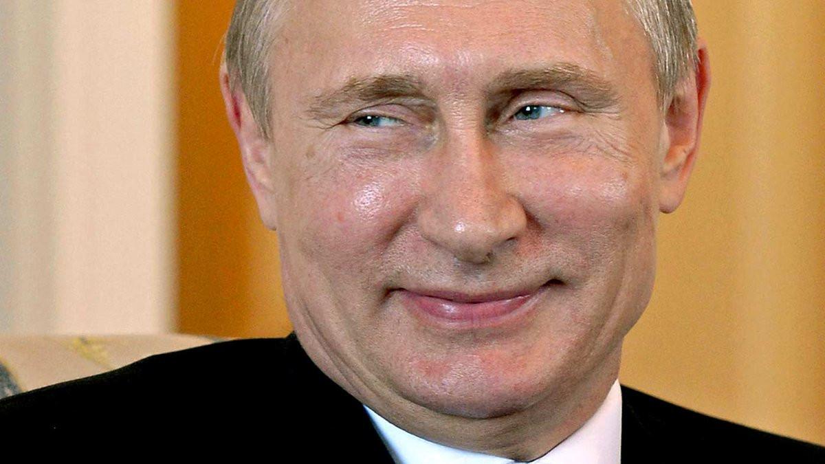 Путин призвал защитить детей от митингов