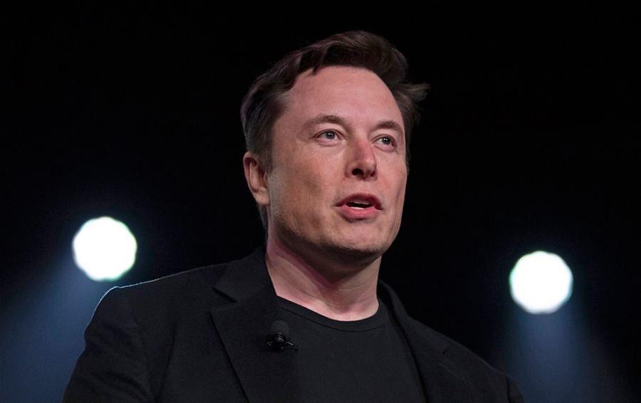 По стопам Билла Гейтса: Илон Маск задумал чипировать людей