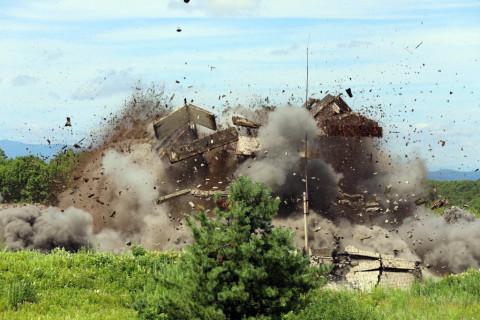 Тринадцать зданий взлетели на воздух в Приморье