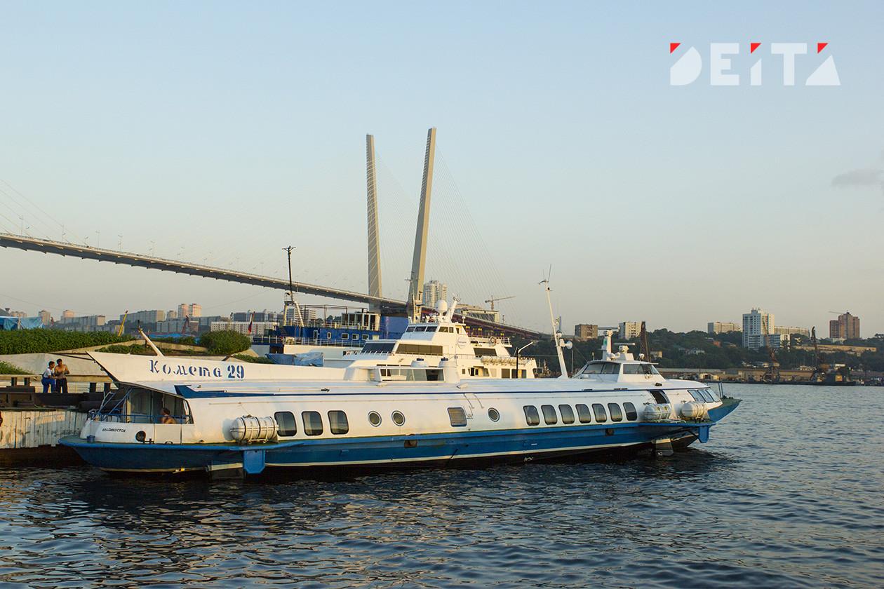 Владивосток остался без паромной переправы из-за тайфуна