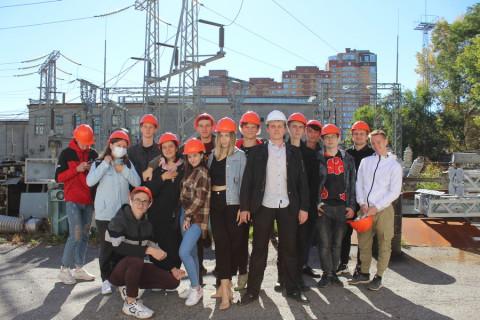 Работники Хабаровских электрических сетей познакомили студентов  ДВГУПС со спецификой работы одного из своих подразделений.