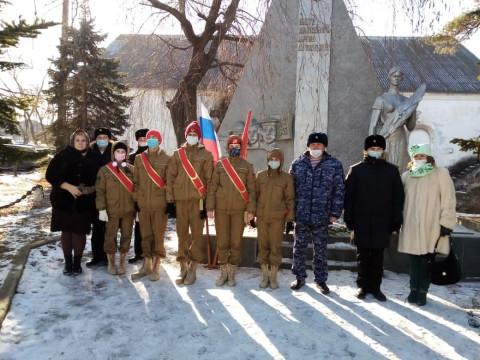 Юнармейцы почтили память неизвестного солдата в Приморье