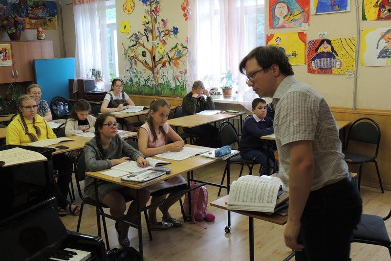 Почти 100% девятиклассников успешно сдали собеседование по русскому языку
