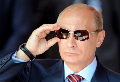 Путин преклонил колено, но не перед неграми