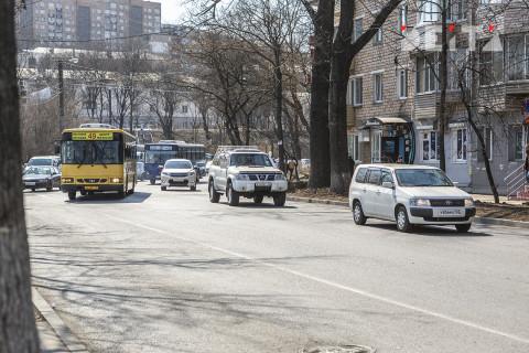 Движение под обрушенным мостом во Владивостоке восстановили