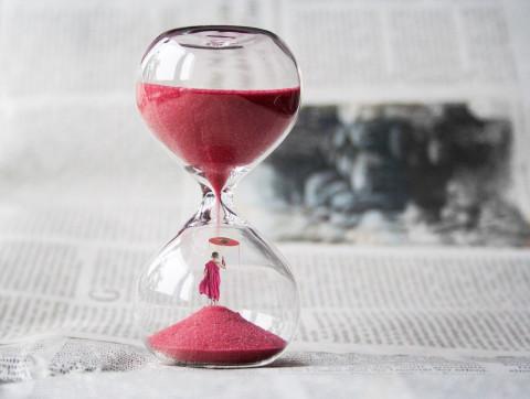 Половине россиян не хватает времени