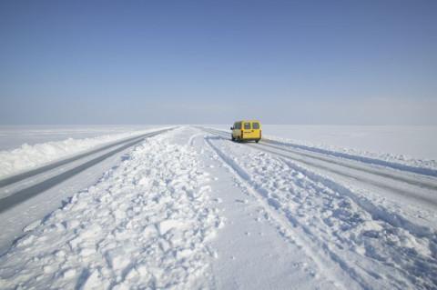 Молодые люди замерзли в «Чайзере», сбившись с пути