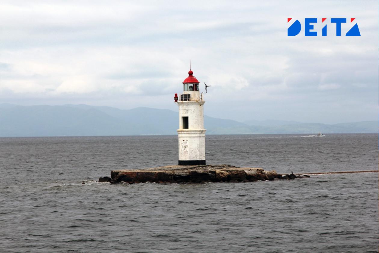 Рыбаков с горевшего судна «Витим» встретили во Владивостоке
