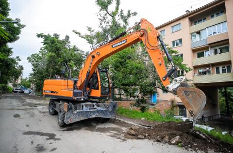 Дорожники приступили к долгожданному ремонту во Владивостоке