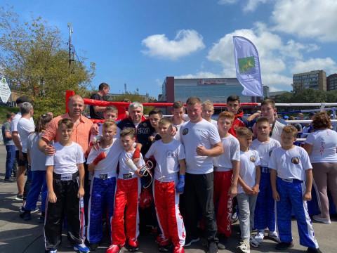 Приморские кикбоксеры приняли участие в «Ярмарке спорта»