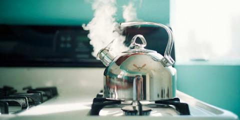 Пять способов убрать накипь с чайника