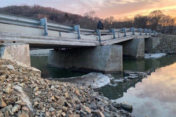 Мосты рушатся и ссорят приморцев