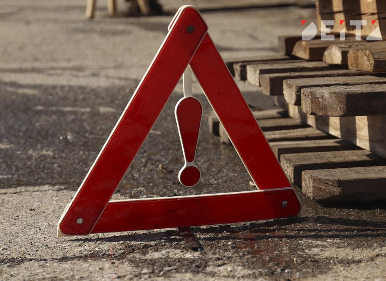 «Бровку поймал»: Машину сильно помяло во время ДТП в Приморье