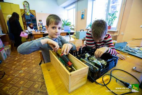 Лучшие школы и детсады Владивостока получат гранты на развитие