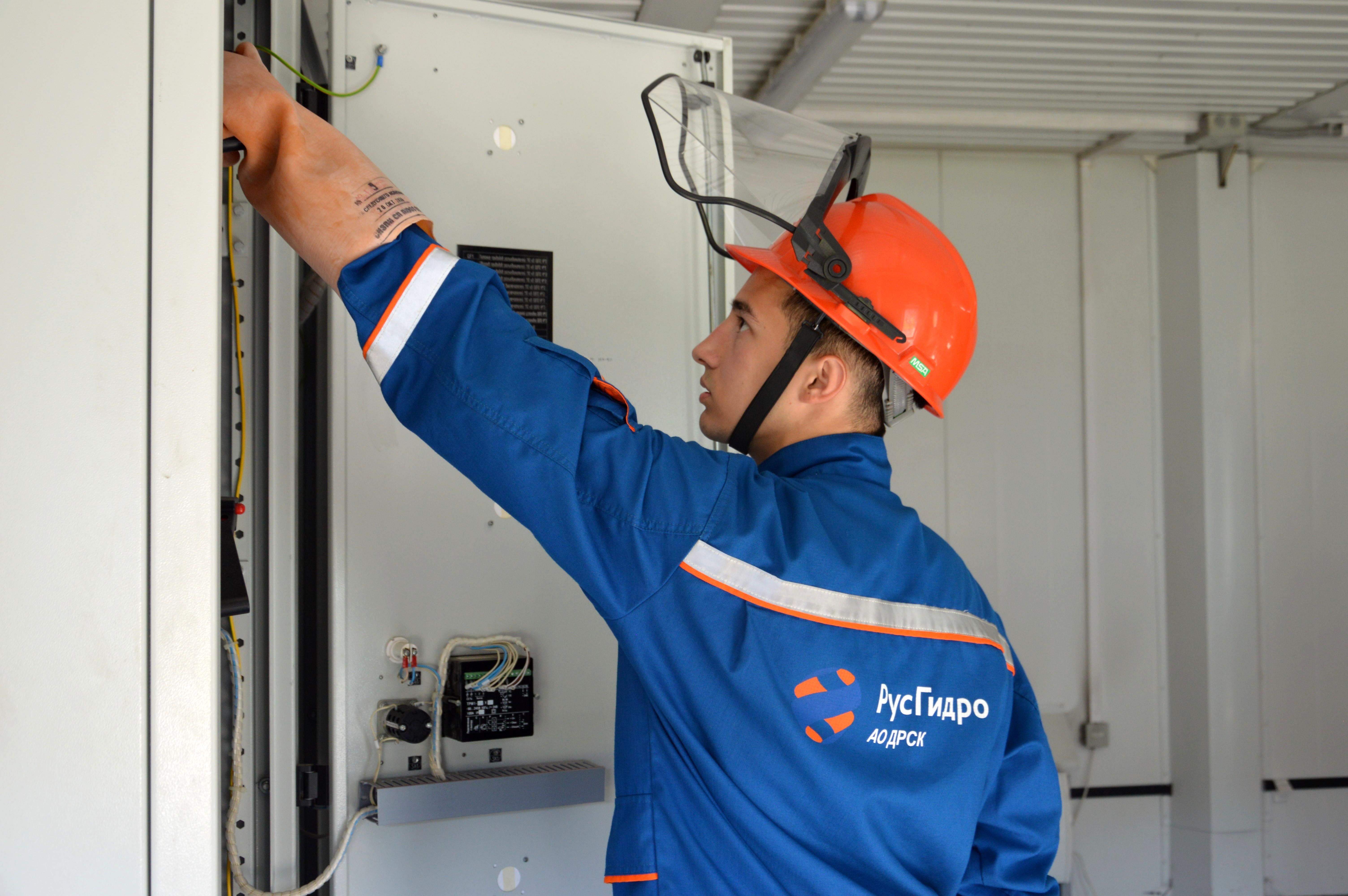Приморские энергетики выполняют ремонтную программу