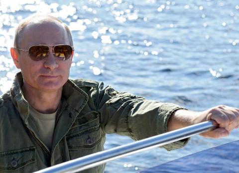 Путин и Шойгу ушли в тайгу