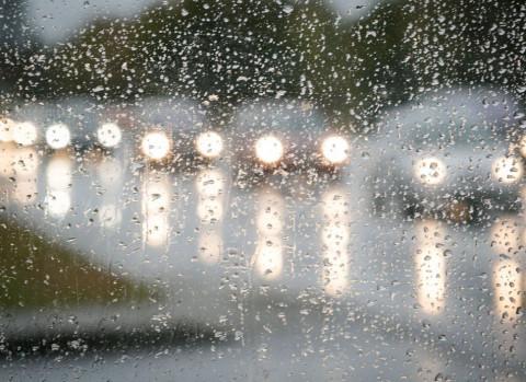 Это поможет не простыть, промокнув под дождем по пути на работу