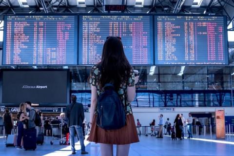 Мишустин утвердил новые правила электронной визы в Россию