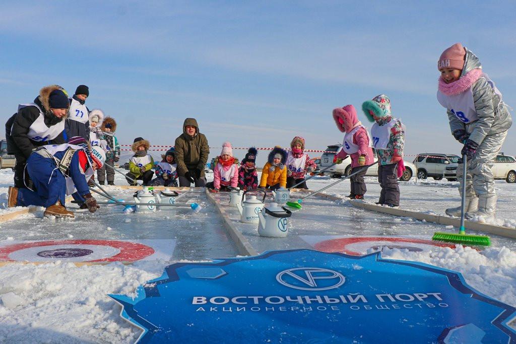 Компания АО «Восточный Порт» провела традиционные соревнования по подлёдному лову рыбы