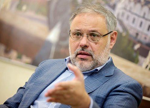 Хазин: «Либералы ведут к президентству Чубайса»