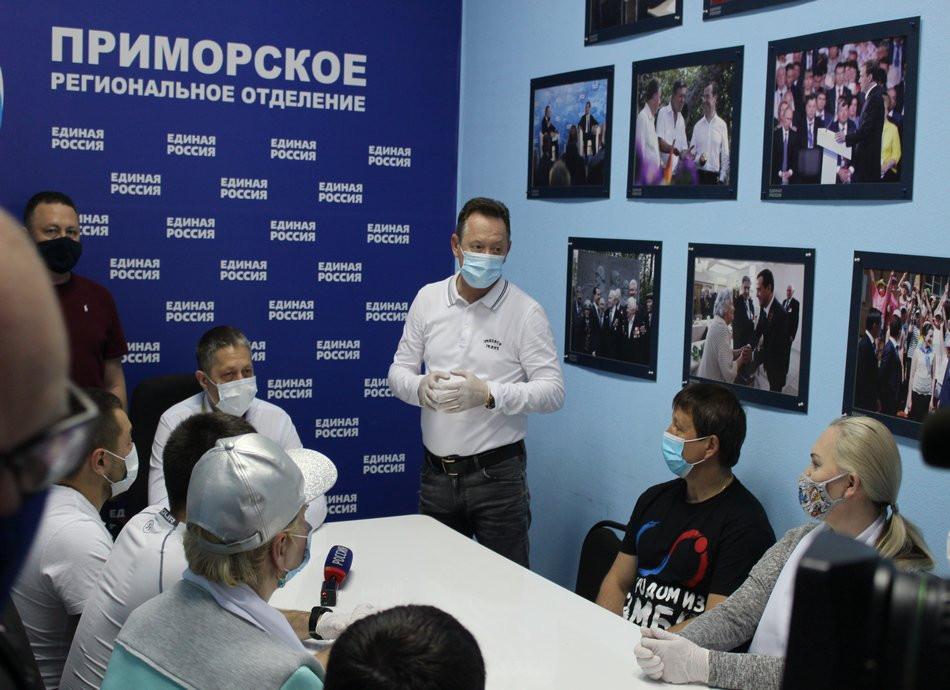 Во Владивостоке гуманитарную помощь развезут 6 тысячам пенсионерам