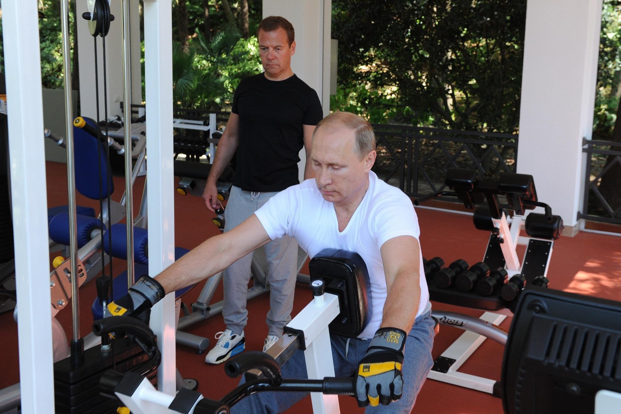 Путин призвал россиян заниматься спортом