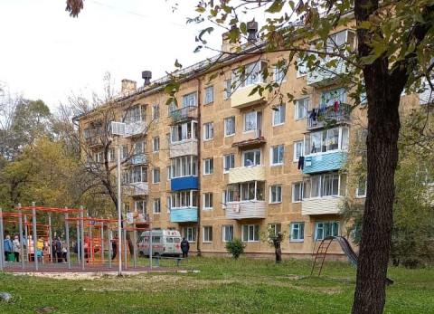 Приморец погиб при обрушении балкона в жилом доме
