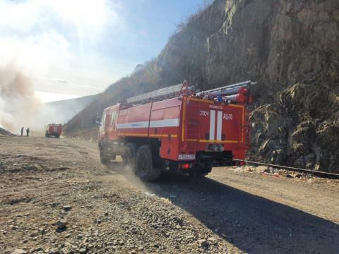 На мусорном полигоне во Владивостоке произошёл пожар