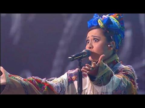 Певицу Манижу обвинили в безумии и «выпучивании»