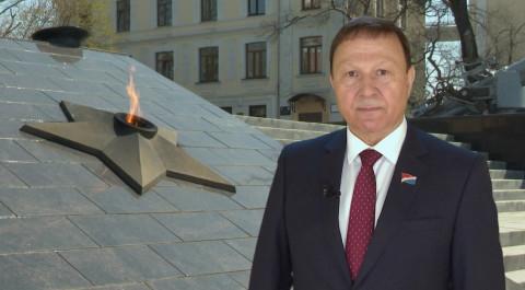 Председатель ЗС ПК Александр Ролик поздравляет с Днем Победы